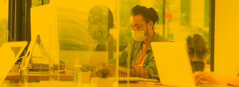 La Estrategia Híbrida: Trabajar desde Casa y en Oficina.